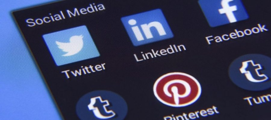3 LinkedIn Profiles Entrepreneurs Can Learn From