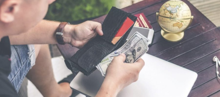 What Everyone Needs to Know Before Getting Their First Credit Card